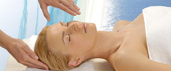 New-Orleans-day-spa-woman-Phytomer2.jpg